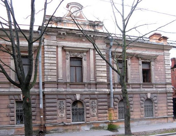 Здание фабрики Феликса Шопена в Петербурге