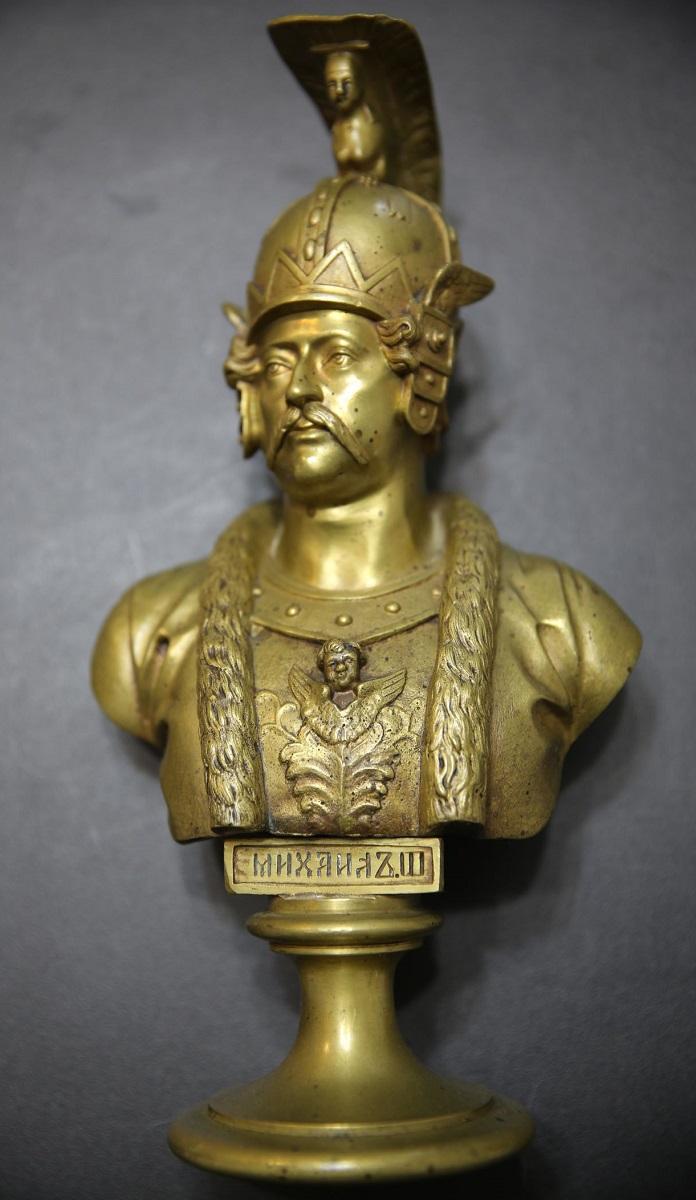 Chopins-bust-gallery - -бронза-бюст-шопен-галерея