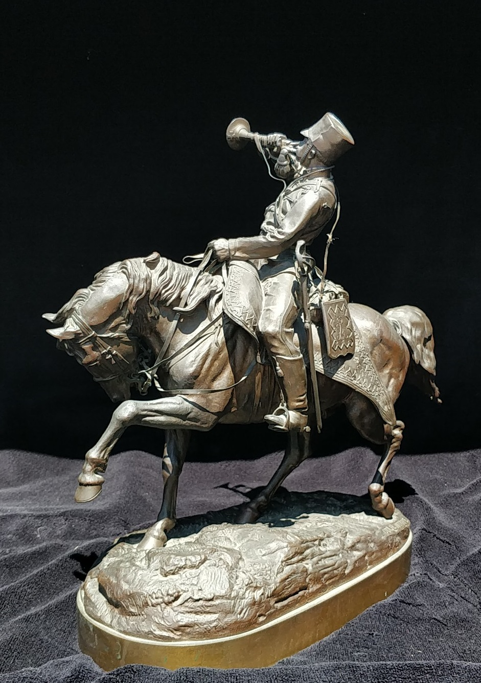 cossack - bronze_bugler-statue-lanceray-value